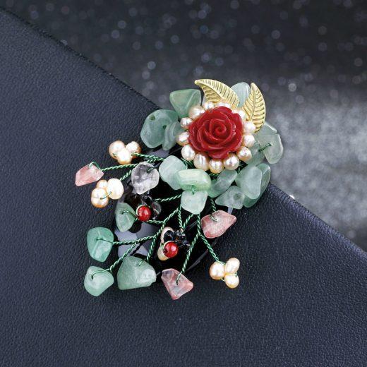 Ručne vyrobená brošna v tvare ruže