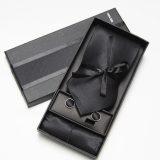 Luxusná kravata, vreckovka a manžetové gombíky v čiernej farbe