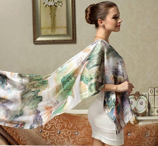 Elegantný dámsky hodvábny šál s motívom krajinky