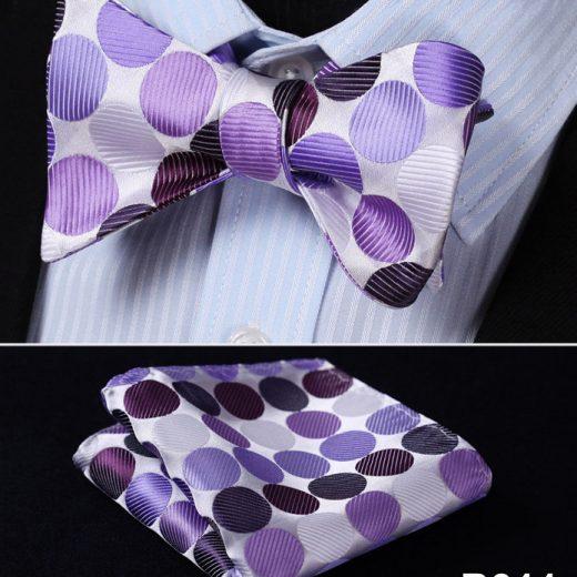 Luxusný hodvábny set - motýlik a vreckovka vo fialových farbách s bodkami