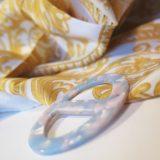 Elegantná ručne brúsená spona na šatku zo živice - farba02