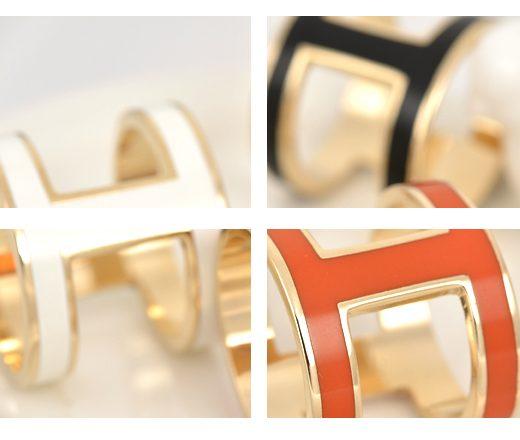 Moderná spona na šatku v nadčasovom dizajne v 3 farbách